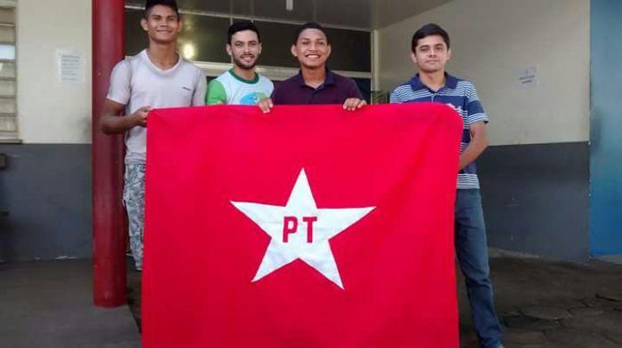 paritins 4 com bandeira pt