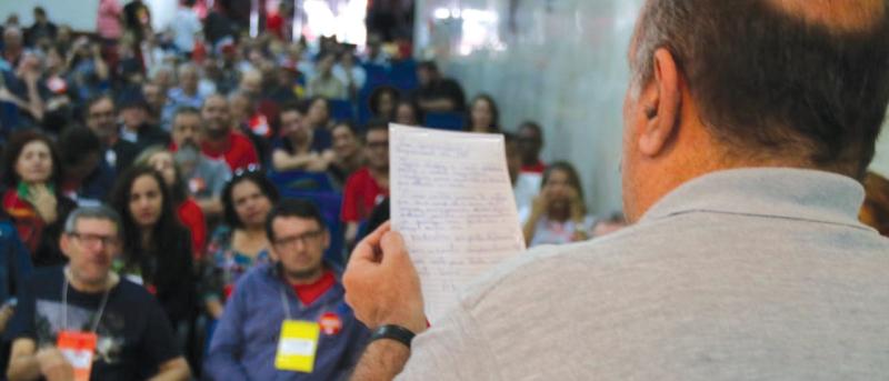 leg lendo carta de Lula